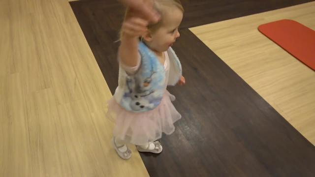 MAMA WEER MEE DANSEN | Bellinga Familie Vlog #936