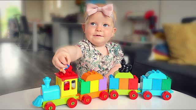 DUPLO TREiN BABY CHALLENGE  | Bellinga Familie Vloggers #1376