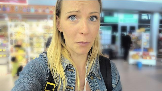 iN RUSLAND GiNG HET NiET HELEMAAL GOED.  | Bellinga Familie Vloggers #1441