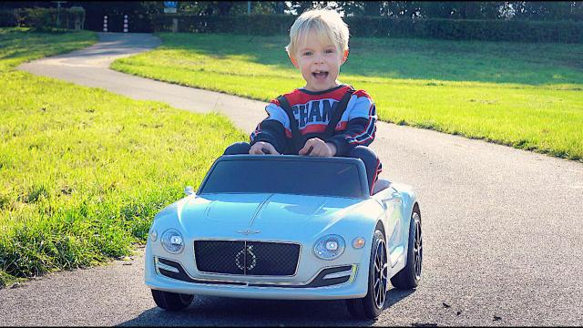 GAAT DEZE MiNi BENTLEY HARD?  | Bellinga Vlog #1539