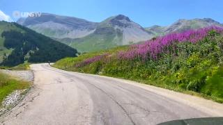 BODY, MIND & SOUL - Take the passenger seat and make the journey on the Routes des Grandes Alpes. With stunning and awe-inspiring views, this is a trip that is both relaxing and meditative: a treat for body, mind & soul. The soundtrack is the album 'Liste