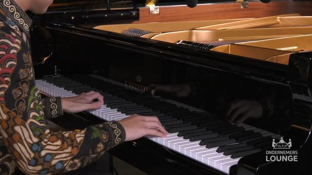 Ondernemerslounge (RTL7) | 2.2.07 | Bol Piano's & Vleugels: Felix Justin