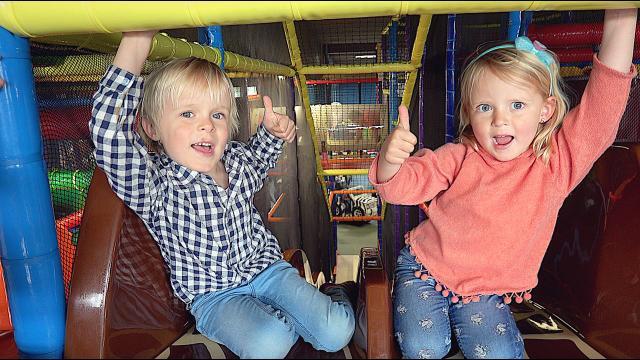 LUAN & LUCiLLA BEPALEN ONZE LAATSTE VAKANTiE DAG  | Bellinga Familie Vloggers #1361