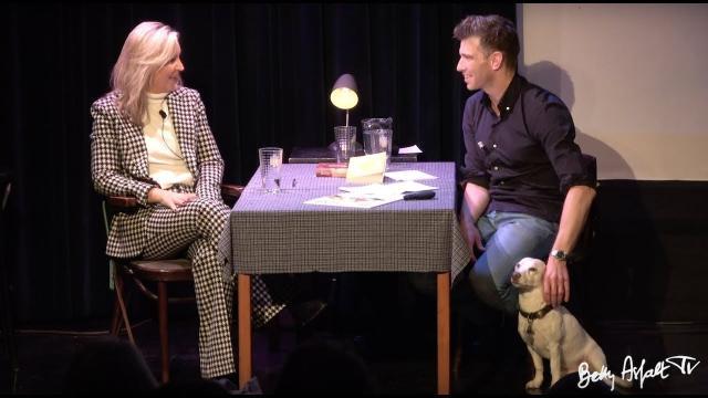 Bart Gielen praat met Saskia Noort