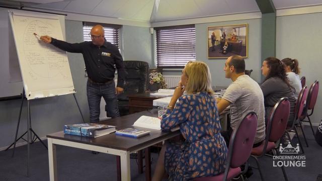 Ondernemerslounge (RTL7) | 1.4.02 | Laurien bij FIRSTT Opleidingen