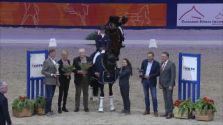 Governor wint VHO Trofee Dressuur