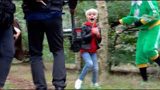 EEN SPANNENDE ACHTERVOLGiNG iN HET BOS!  | SiNTERKLAASFiLM BACKSTAGE VLOG #5