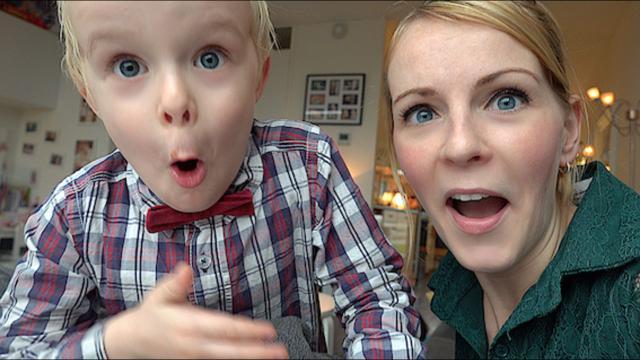 GOOGLE HOME GEKKE VRAGEN STELLEN  ( 2de kerstdag 2018 + cadeau's ) | Bellinga Familie Vloggers #1231