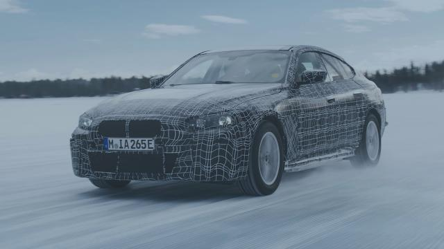BMW i4 ondergaat wintertest in Ajeplog Zweden