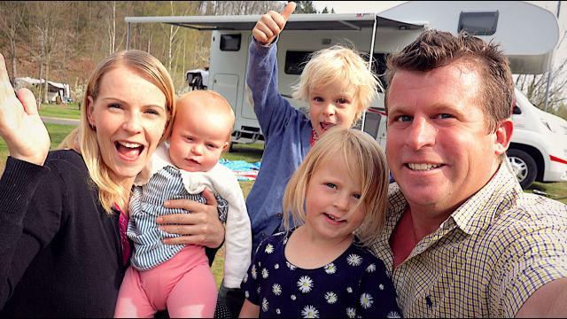 NAAR WELK LAND GAAN WE NU?  | Bellinga Familie Vloggers #1349