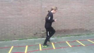 De jeugteams van DVS'33 Ermelo laten zien zich in deze tijd ook druk bezig te houden met oefeningen en #stayfit blijven!