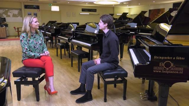 Ondernemerslounge (RTL7) | 3.8.04 | Bol Piano's: Maxim Heijmerink