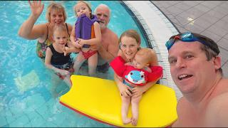 OPA & OMA MEE NAAR ZWEMLES  | Bellinga Vlog #1632