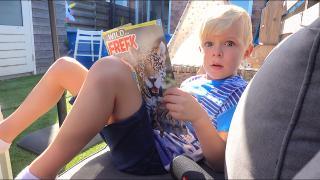 WE MOESTEN LUAN OPHALEN VAN SCHOOL!  | Bellinga Vlog #1859