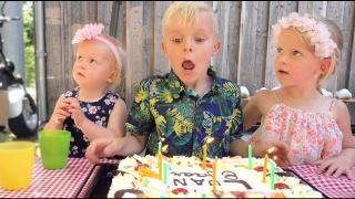 LUAN TOTAAL VERRAST OP ZiJN VERJAARDAG  ( 8 jaar) | Bellinga Vlog #1823