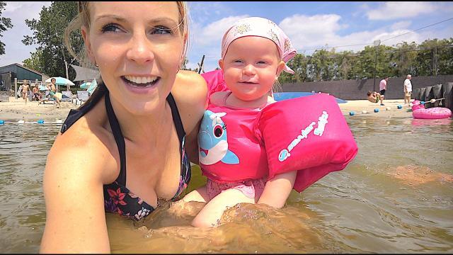 HiTTEGOLF OVERLEVEN MET VERBRANDEN VOETEN!  | Bellinga Familie Vloggers #1417
