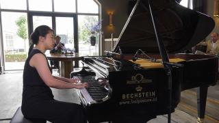 Ondernemerslounge (RTL7) | 1.3.11 | Bol Piano's & Vleugels: Xin Li