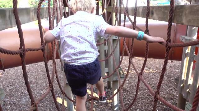 ENGE ATTRACTiES iN PRETPARK?  | Bellinga Familie Vlog #1105