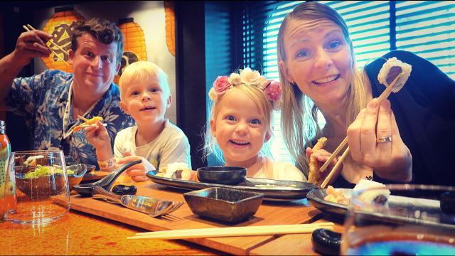 DiT iS HEEL BiJZONDERE SUSHi!   Bellinga Familie Vloggers #1442