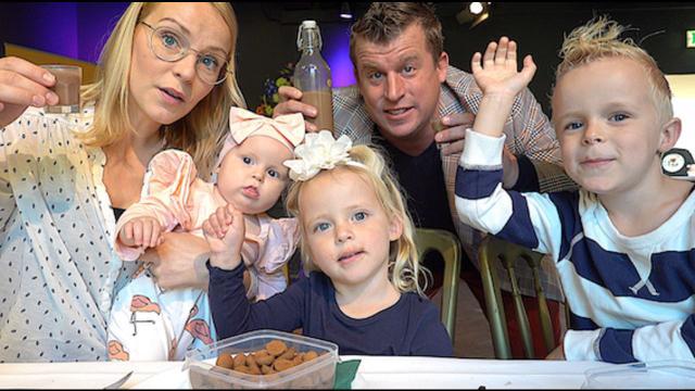 BLiND SUPERMARKTPRODUCTEN PROEVEN  | Bellinga Familie Vloggers #1179 #DeBellingaS #BellingaTV #FamilieVloggers.nl #FamilyVloggers.com #Youtube #Google #100%getest