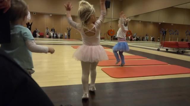 BALLETLES GROOT SUCCES! | Bellinga Familie Vlog #894