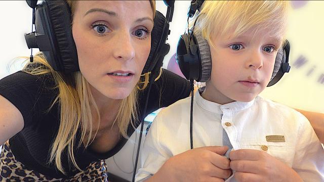 LUAN EERSTE KEER STEM iNSPREKEN VOOR EEN FiLM!  | Bellinga Familie Vloggers #1385