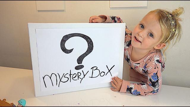 SPEELGOED MYSTERY BOX   Lucilla Bellinga #73
