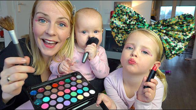 FEEST MAKE-UP LOOK MET DE ZUSJES ❤ tutorial   Bellinga Familie Vloggers #1223
