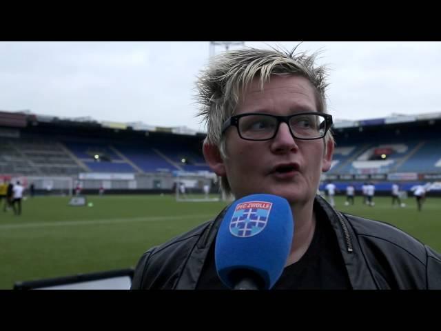 Jonge vluchtelingen krijgen voetbalclinic bij PEC Zwolle
