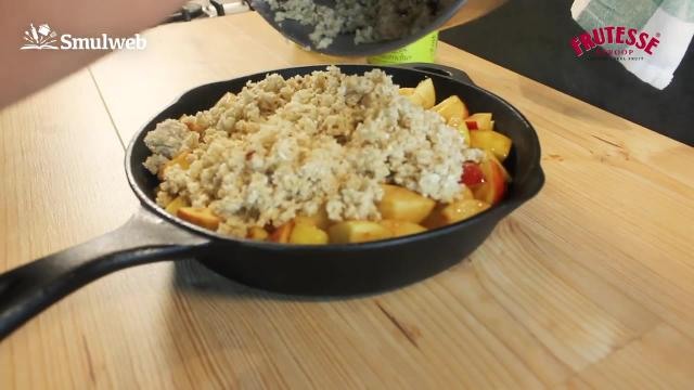 Appel crumble toetje van de barbecue
