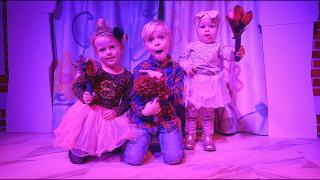 OPTREDEN ALS BALLERiNA  ( bij Mattel Play) | Bellinga Vlog #1570