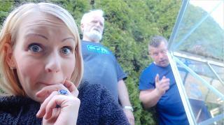 OPA KOMT NET OP TiJD OM ME DiT TE VERTELLEN  ( + ZWANGERSCHAP RUGKLACHTEN ) | Bellinga Vlog #2051