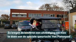 Sinterklaas langs de scholen in Harderwijk en Hierden
