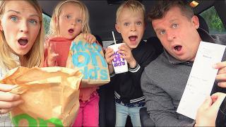 DE PERSOON VOOR ONS BEPAALT WAT WIJ ETEN  | Bellinga Familie Vloggers #1400