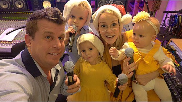 BELLiNGA KERSTLiEDJE MAKEN  | Bellinga Familie Vloggers #1188