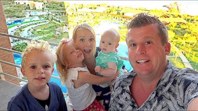 WE GAAN VERHUiZEN !!!  | Bellinga Familie Vloggers #1171 #DeBellingaS #BellingaTV #FamilieVloggers.nl #FamilyVloggers.com #Youtube #Google #Corendon