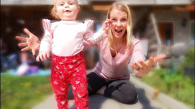 LUXY KAN OFFICIEEL LOPEN!  ( 14 maanden) | Bellinga Familie Vloggers #1334