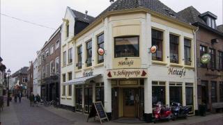 Nieuwe café's in de Bruggestraat Harderwijk