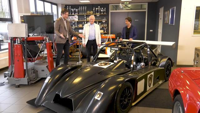 Ondernemerslounge (RTL7) | 3.4.08 | Racewagen van StayFast Racing