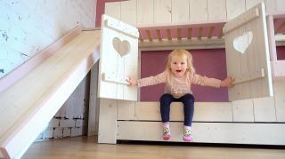 LUXY KRiJGT HAAR EERSTE PEUTER BED ( verhuisvlog 3) | Bellinga Vlog #2028