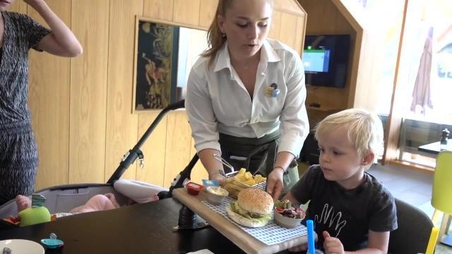 AVOND ROUTiNE iN FAMILY SUITE    Bellinga Familie Vlog #1066