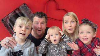 VAN WiE iS DEZE ViDEOBOODSCHAP?  | Bellinga Vlog #2012