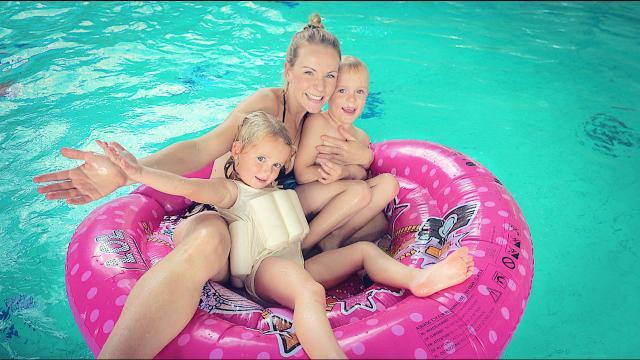 MEGA ROND LUCHTBED WATERPRET | Bellinga Familie Vloggers #1459