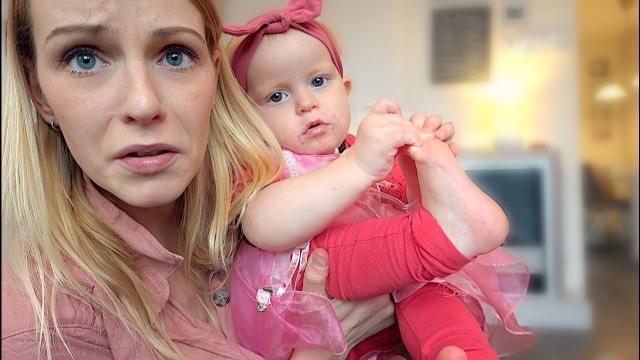 LUXY HEEFT HAND,- VOET,- en MONDZiEKTE!  | Bellinga Vlog #1552
