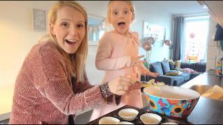SUPER SNEL CUPCAKES MAKEN iN 5 MiNUTEN!  | Bellinga Vlog #1990