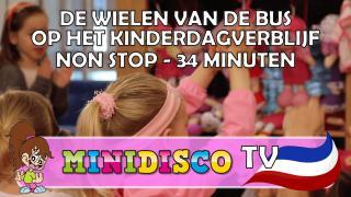 NON STOP De Wielen Van De Bus op het kinderdagverblijf