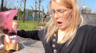 ALS JE EVEN NiET OPLET GEBEURD ER DiT! ( visvijver klaarmaken ) | Bellinga Vlog #2054