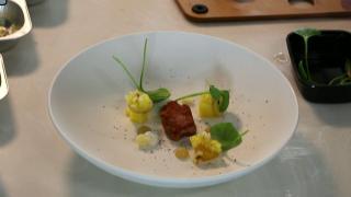 Rik Jansma van restaurant Basiliek in Harderwijk bereidt Hollandse kalfszwezerik