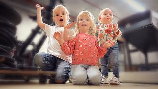 HiER LiGGEN WiJ OPGESLAGEN!  | Bellinga Familie Vloggers #1344