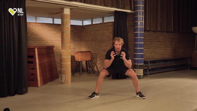 #23 Brede Squat – NL Actief